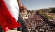 عشرات الالاف يتظاهرون في صنعاء مطالبين بمحاكمة صالح وإقالة أعوانه