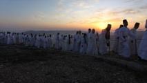 """نابلس..السامريون يحجون احتفالا بعيد """"الحصاد"""""""