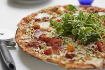 """""""بيتزا إكسبرس"""" تدرس إغلاق نحو 70 من مطاعمها في بريطانيا"""