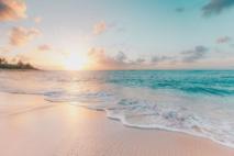 العثور على بحارة مفقودين بواسطة كتابات رملية على جزيرة نائية