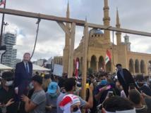 مقتل عنصر امن وجرح أكثر من مئتي متظاهر باشتباكات بيروت