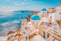 اليونان تشدد من إجراءات الحد من كورونا بالمقاصد السياحية