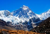هل تعرف كم هي صعبة مهمة استعادة جثة متسلق من جبل إيفرست ؟