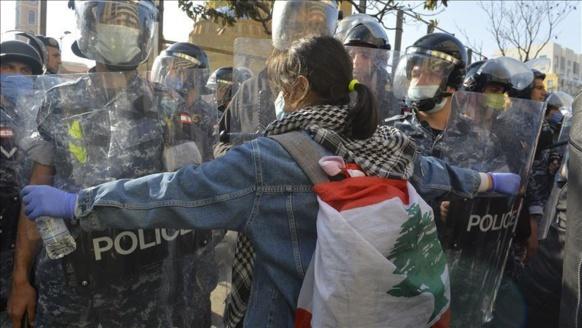 حصاد ثورة 17 تشرين اللبنانية في عامها الأوّل