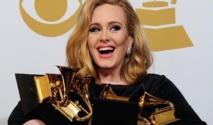 """ألبوم """"21"""" للبريطانية أديل يتصدر قائمة الألبومات الأكثر مبيعاً فى العالم  للعام الثاني"""