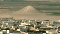"""علماء آثار يكتشفون حقيقة نصب """"تل البنات"""" في سوريا"""