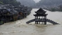 أمطار وفيضانات مدمرة.. قتلى ومفقودون وانهيار سدود في الصين