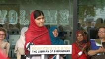 الطالبة الباكستانية مالالا تفتتح أكبر مكتبة أوروبية في بيرمينجهام