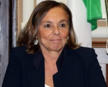 وزيرة الداخلية الايطالية:زيادة كبيرة في نسبة الجرائم على الإنترنت