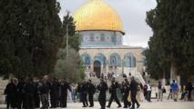مئات المستوطنين الاسرائيليين يجددون اقتحام المسجد الأقصى