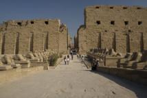 مصر : الكشف عن 7 تماثيل جديدة في خبيئة معابد الكرنك شرق الأقصر