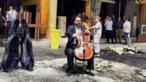 عازف التشيلو كريم وصفي يتحدى الموت بالموسيقى في بغداد