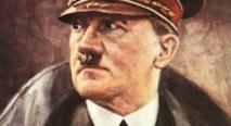 الايرانيون يقبلون على مشاهدة لوحات فنية بريشة هتلر فى طهران