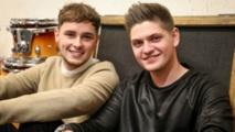 جو و جيك في مسابقة الأغاني ذو فويس في بريطانيا