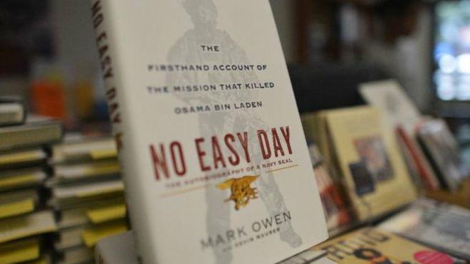 """مؤلف كتاب """"بن لادن"""" يدفع للحكومة ملايين في تسوية قضائية"""