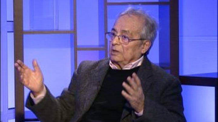 """أدونيس: """"ثورة علمانية لا يمكن تحقيقها عبر أشخاص يخرجون من المساجد"""""""