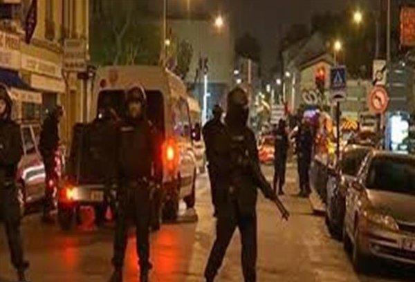 هجوم الشانزليزيه يلقي بظلاله على اليوم الأخير للحملة الانتخابية