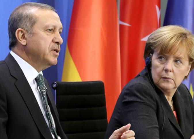 ميركل وأردوغان يبحثان توتر العلاقات الألمانية التركية
