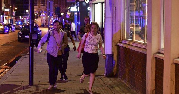 الشرطة البريطانية: منفذو هجوم جسر لندن خططوا لتفجير شاحنة