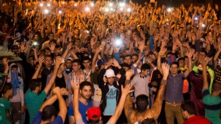 """متظاهرو الحسيمة يلجأون لحي جديد بعد تطويق الأمن """"لسيدي عابد"""""""