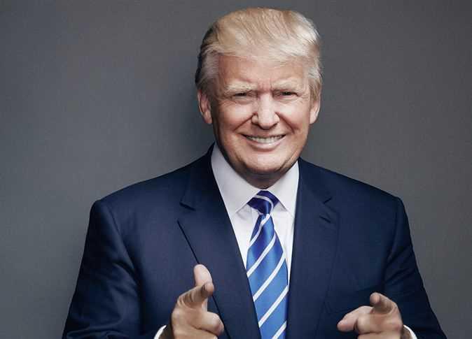 """دونالد ترامب يعتزم بناء """"جدار شمسي"""" على حدود المكسيك"""