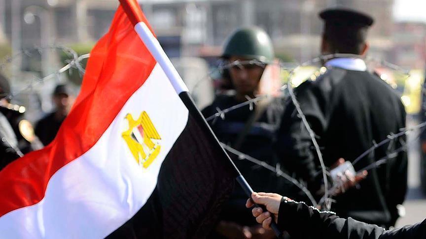 15 دولارًا تفك أسر فيلم الثورة الممنوع في مصر
