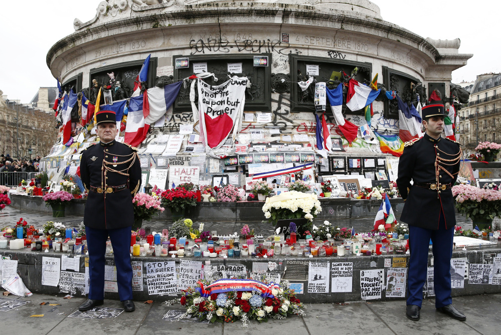 فرنسا: ماكرون يكرم ضحايا اعتداء نيس في ذكراه الأولى