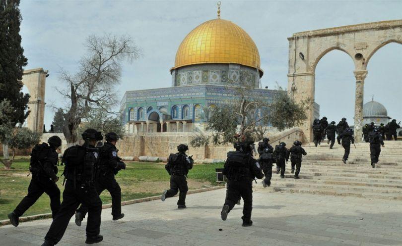 """السلطات الاسرائيلية تواصل اغلاق""""الأقصى""""وتشدد الاجراءات الامنية"""