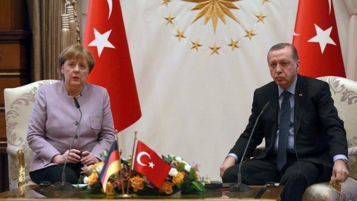 برلين تعيد النظر في تسليم اسلحة الى انقرة