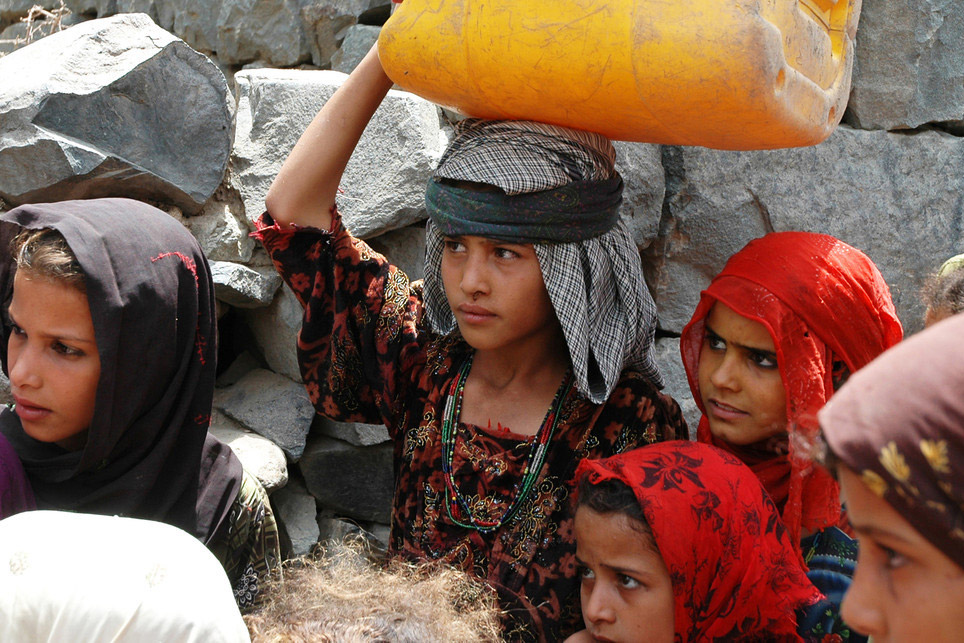 الحوثيين:التحالف العربي مسؤول عن تدهور الوضع الإنساني باليمن