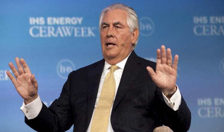 الخارجية الأمريكية تنفي شائعات عن تفكير تيلرسون في الاستقالة