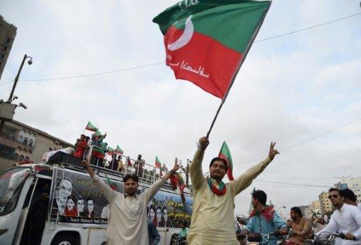 باكستان تبحث عن رئيس وزراء جديد غداة إقالة شريف