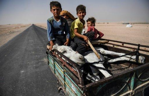 منظمات انسانية تحذر من شح المواد الغذائية في الرقة السورية