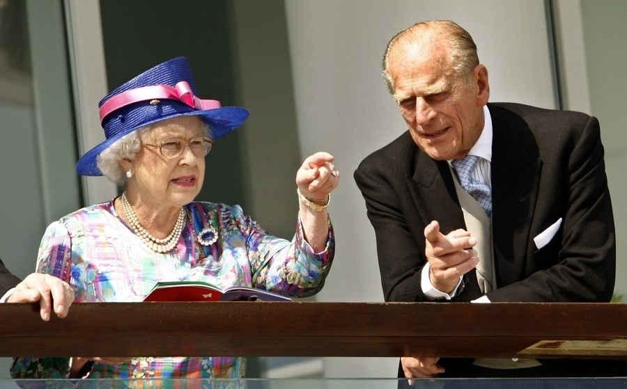 الأمير فيليب يستضيف مراسم مشاة البحرية في آخر ظهور علني له