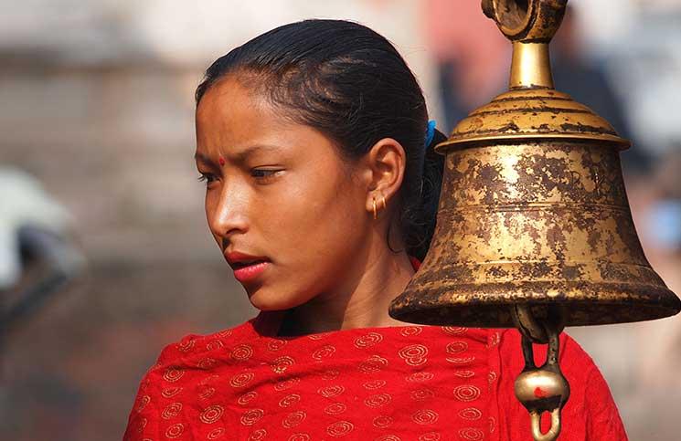 برلمان نيبال يجرم تقليد طرد النساء الحوائض من المنازل
