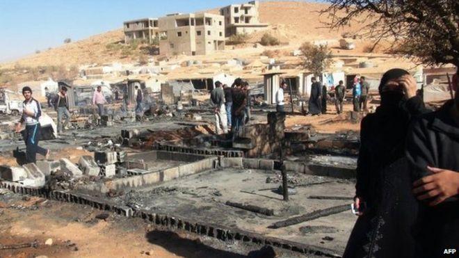 مقاتلو سرايا أهل الشام ولاجئون من عرسال يتجهون الى الرحيبة