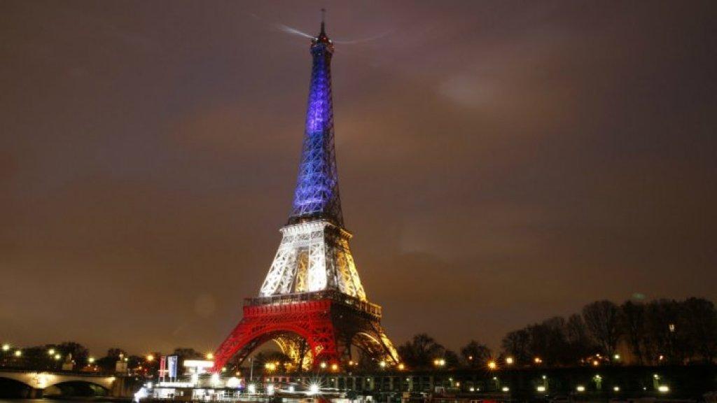 مقتل فتاة جراء اقتحام سيارة لمطعم بيتزا شرقي باريس