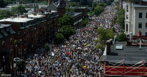 الآلاف يشاركون في مظاهرات في بوسطن ضد العنصرية والكراهية