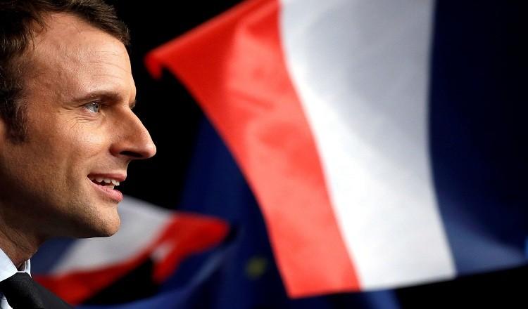 تراجع شعبية ماكرون لأدنى مستوى لها منذ انتخابه رئيسا لفرنسا