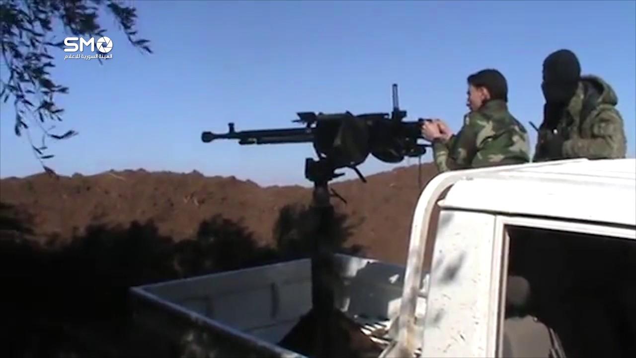 الجيش الحر: مروحيات النظام السوري تنقل الدواعش الي اليرموك
