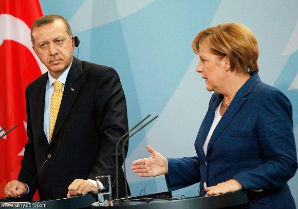 ميركل ستناقش وقف مفاوضات انضمام تركيا في قمة الاتحاد الاوربي