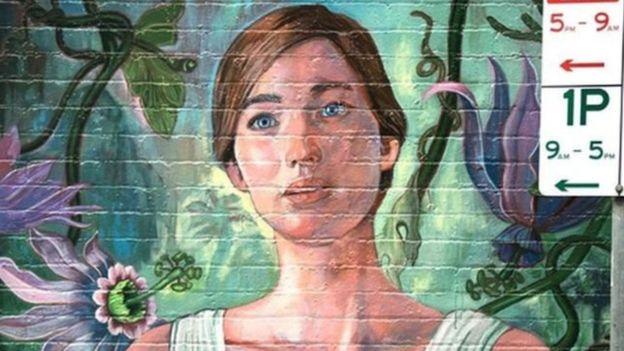 أرنوفسكي يعتذر لتغطية إعلان فيلمه الجديد جدارية بارزة في سيدني