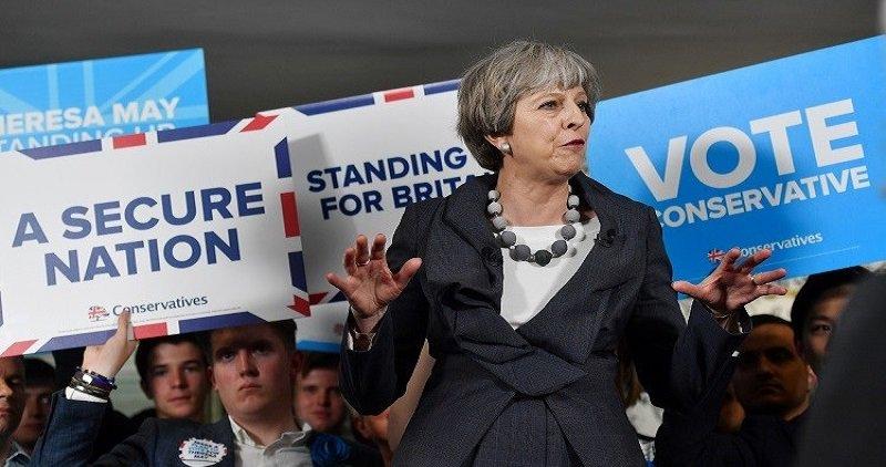 ماي ربما تقترح فترة انتقالية بعد خروج بريطانيا من الاتحاد الاوروبي