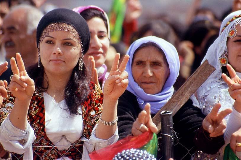 إيران تغلق حدودها الجوية مع كردستان بطلب من حكومة بغداد