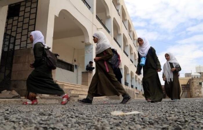 الحوثيون يفشلون بإجهاض إضراب المعلمين وتدشين العام الدراسي