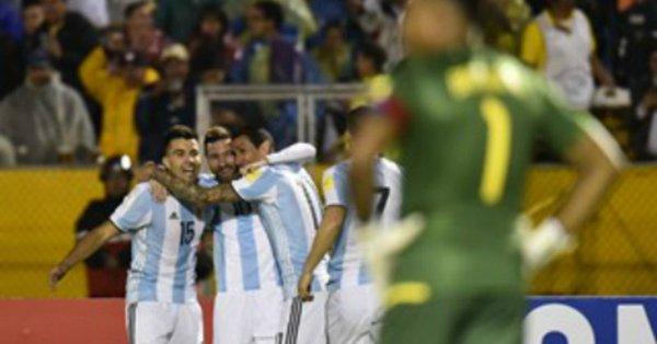 مدرب الأرجنتين: ميسي أفضل لاعب عبر التاريخ