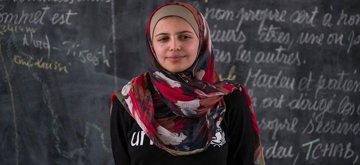 """""""تايم"""" تختار فتاة سورية بقائمة الشابات الأكثر تأثيراً بالعالم"""