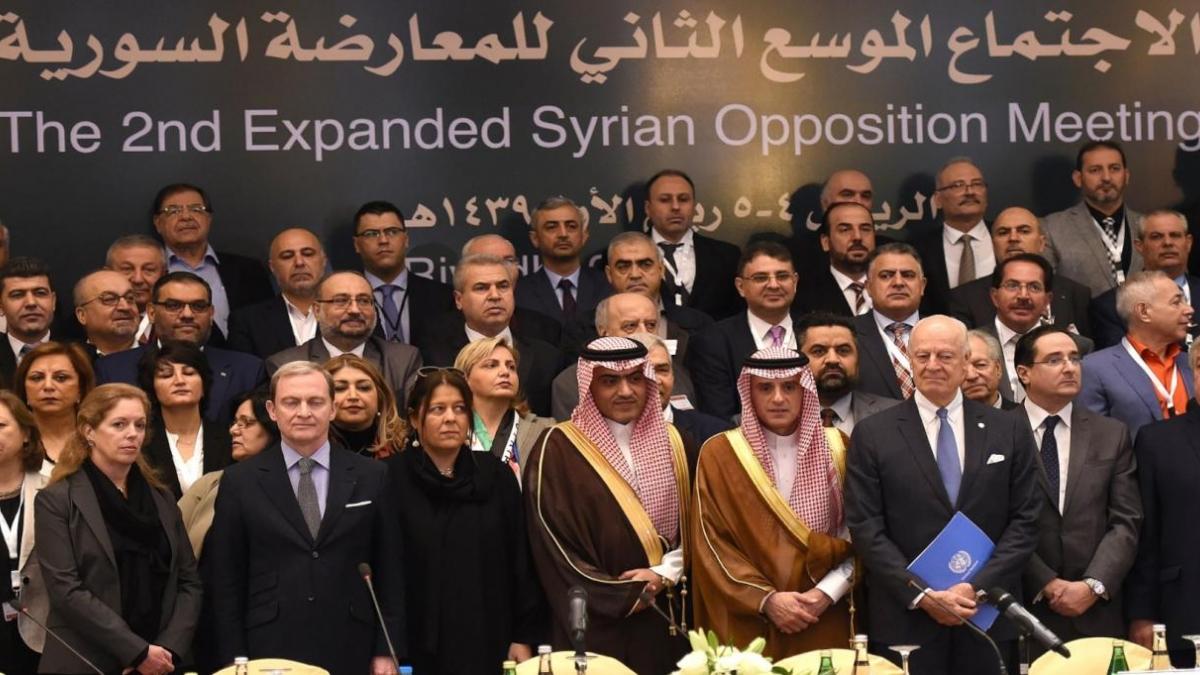 الرياض2: العملية الانتقالية لن تحدث دون مغادرة بشار الأسد