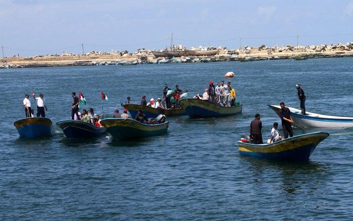 تصاعد الخلافات بين فتح وحماس بشأن موظفي غزة يهدد المصالحة