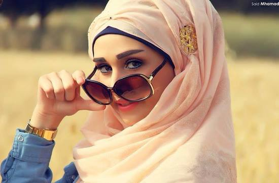 """""""أنقذوا الحجاب"""".. مجتمع إلكتروني للمحجبات يبهر إدارة """"فيسبوك"""""""